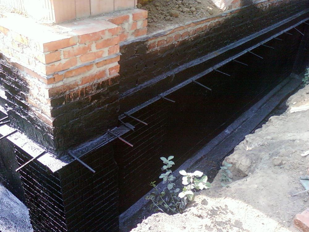 Гидроизоляция цокольного этажа снаружи и изнутри