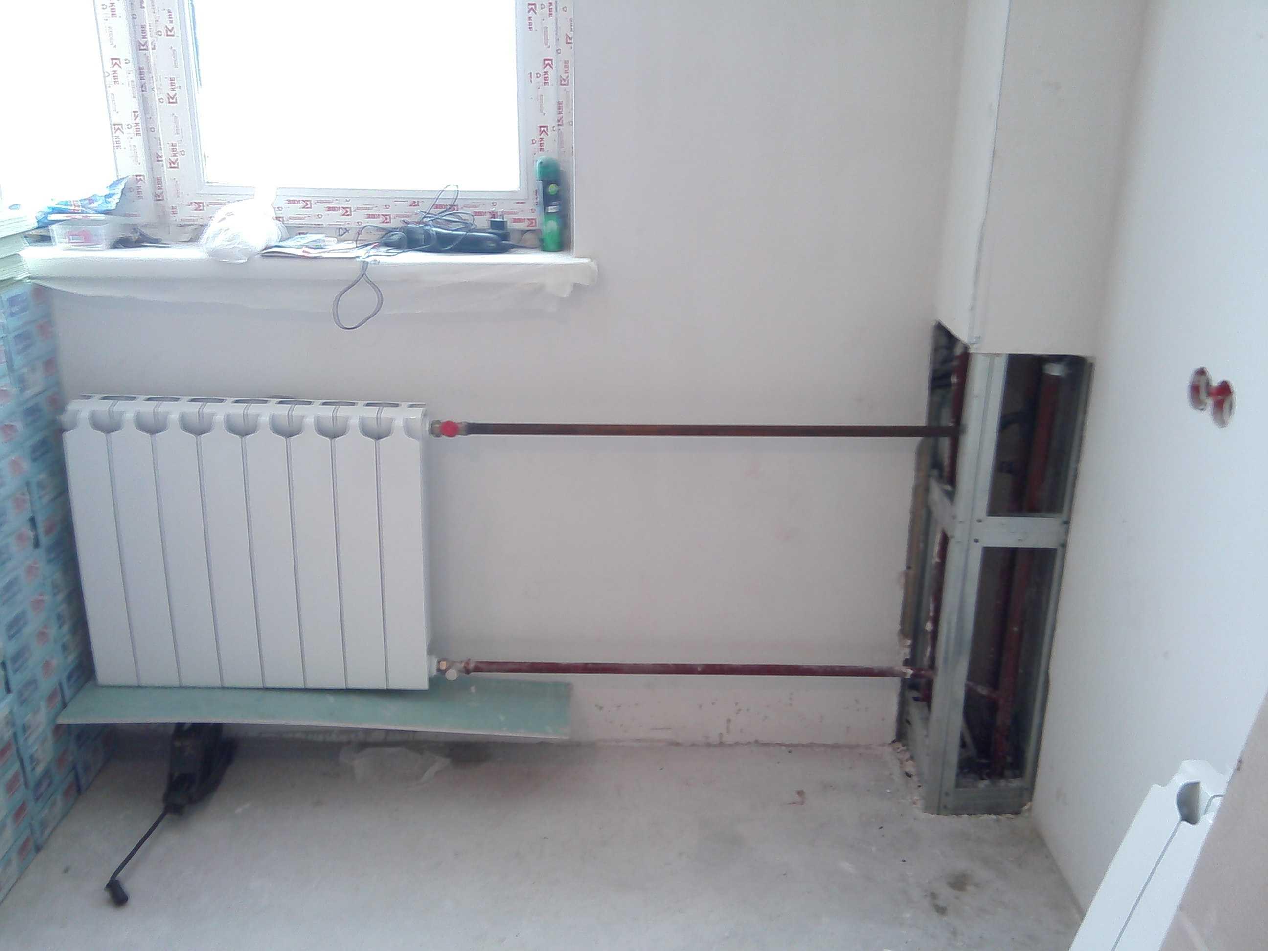 Как спрятать трубы отопления в доме или квартире