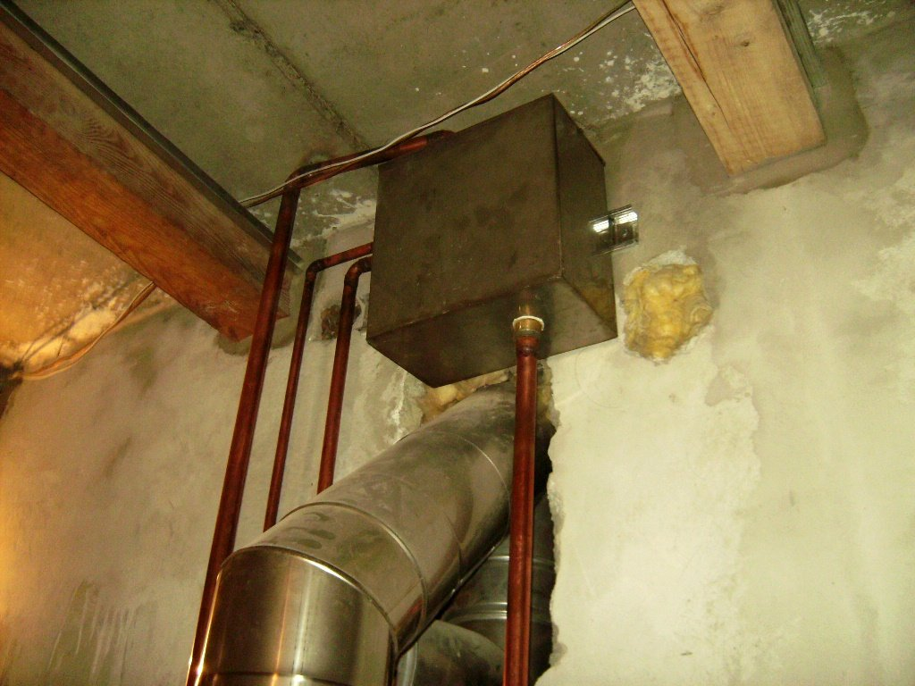 Как утеплить вентиляцию на холодном чердаке: правила и порядок теплоизоляции труб