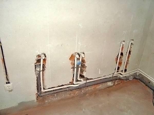 Можно ли замуровать полипропиленовые трубы при прокладке трубопровода в стену