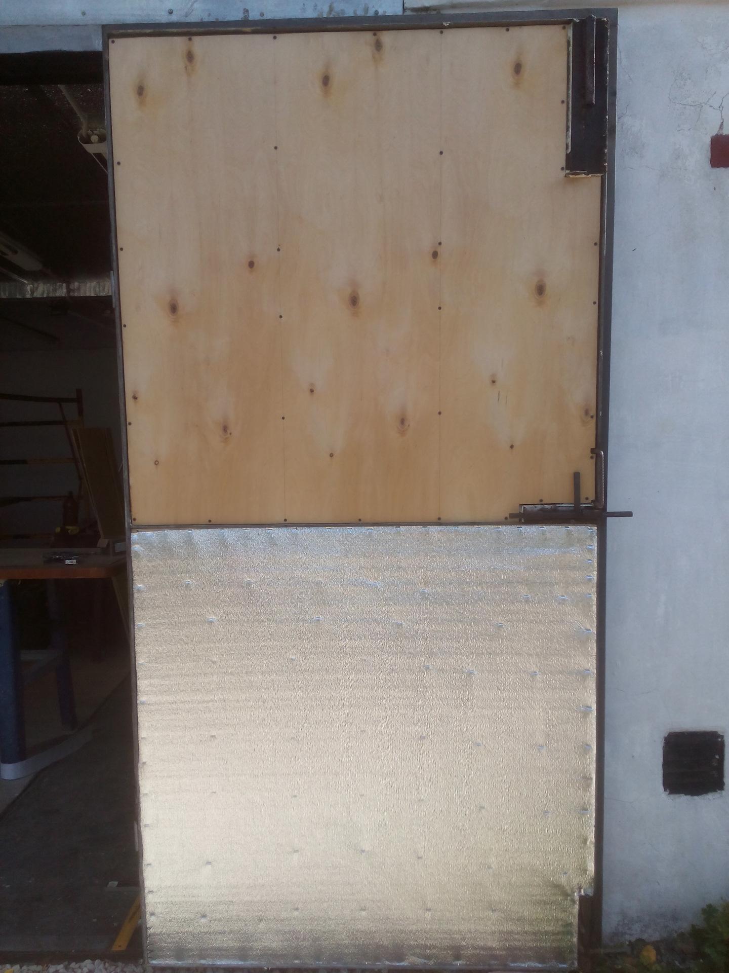 Утепление ворот гаража простыми и доступными способами
