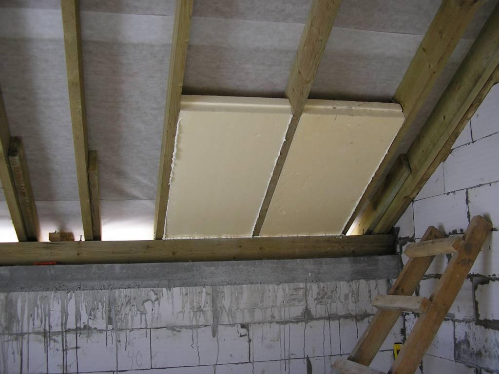 Утепление крыши пенопластом: можно ли использовать данный материал, проведение работ своими руками