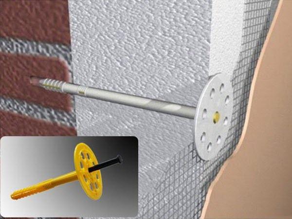 Как крепить пенопласт к стене правильнее всего