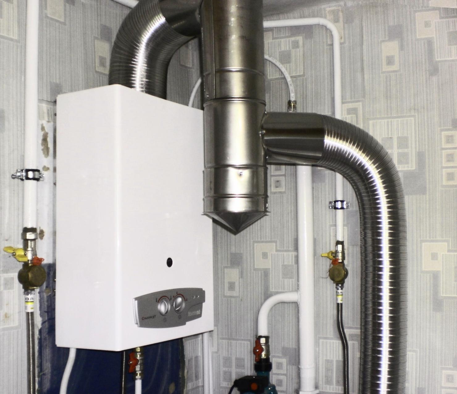 В чем преимущество турбированной газовой колонки и как ее выбрать?