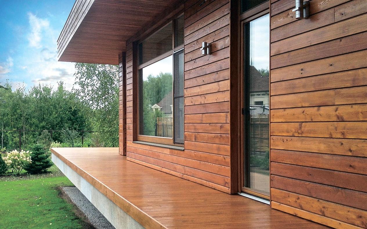 Отделка деревянного дома снаружи - защита и эстетичность