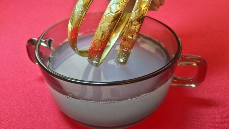 Как очистить золото от загрязнений в домашних условиях
