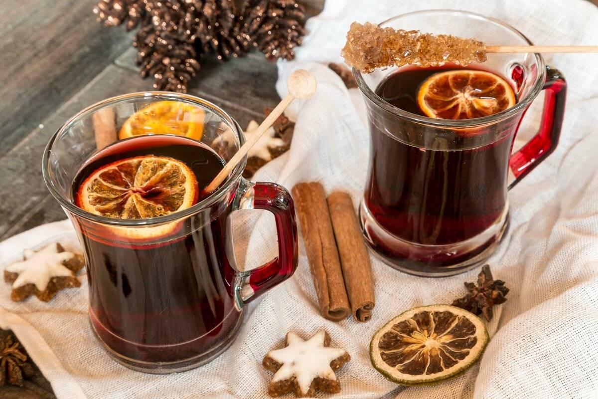 5 вкусных горячих напитков, которые стоит взять с собой в термосе для прогулки по морозу