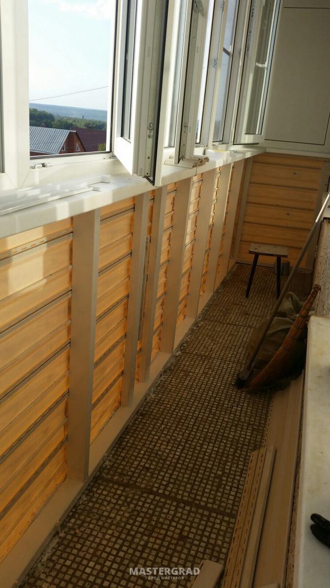 Парапеты балконов: металлические и другие виды. что это такое? утепление и отделка, обшивка изнутри и снаружи, укрепление балконных парапетов