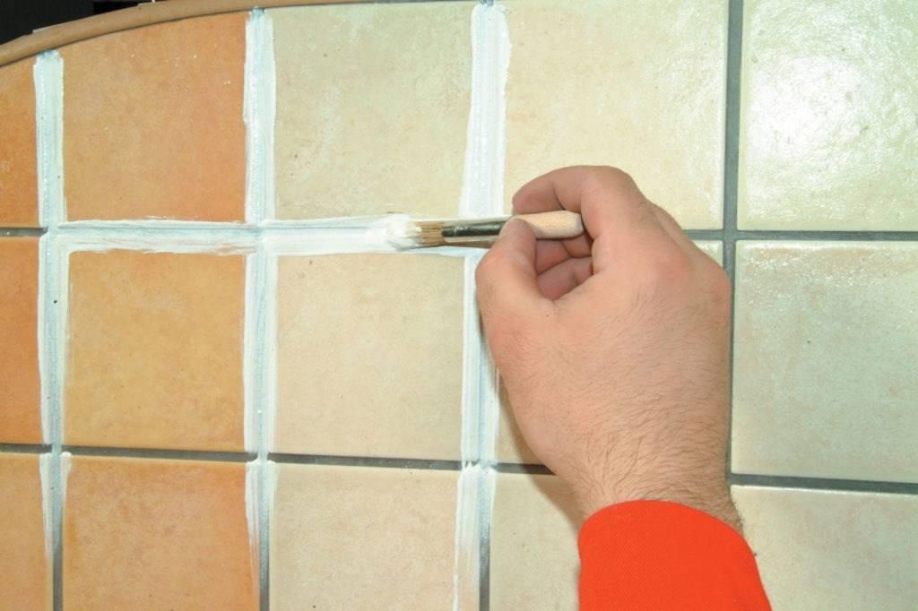 Ремонт кафельной плитки в ванной. варианты обновления плитки ( наклейки, покраска не снимая, декор своими руками ) в ванной - все о строительстве