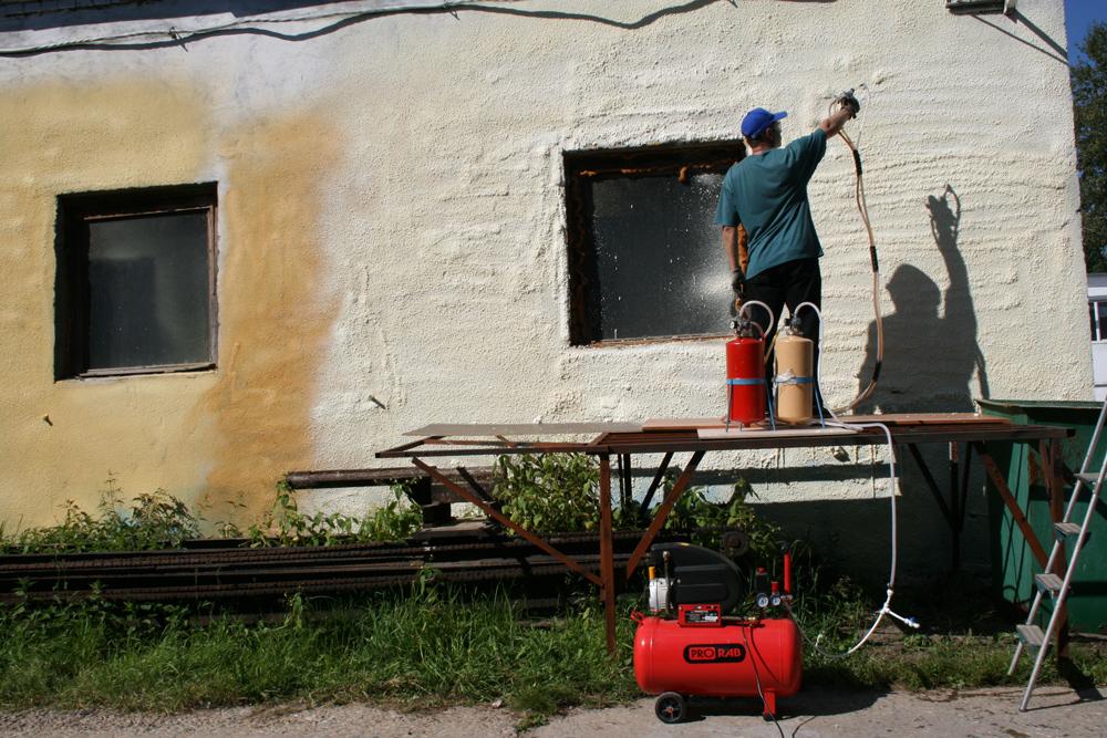 Пена для утепления конструкций дома: примеры с фото