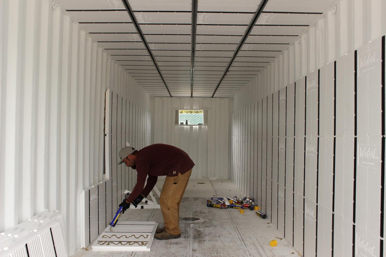 Утепление контейнера для жилья своими руками: разновидности используемых материалов, обшивка изнутри