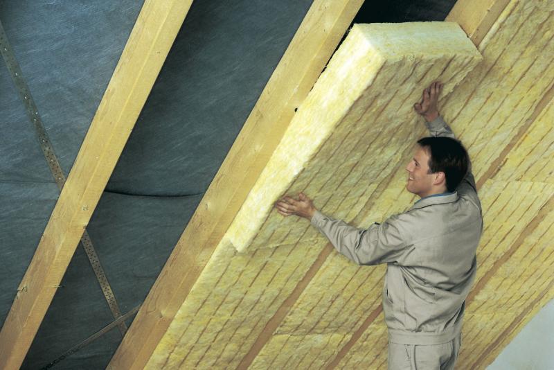 Как утеплить потолок в частном доме своими руками – варианты и решения