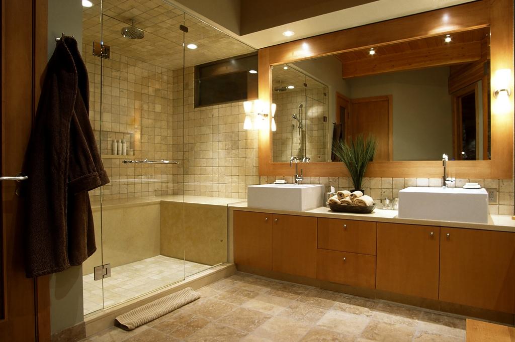 Освещение в ванной комнате (61 фото): с натяжным потолком, свет в санузле, точечное в туалете, правильное зеркала, идеи