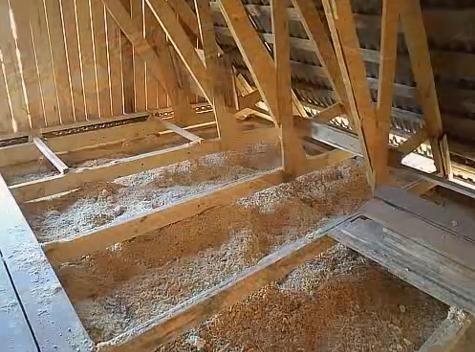 Утепление потолка керамзитом, опилками, пенопластом, характеристика основных утеплителей