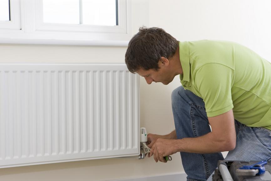 Когда лучше менять батареи отопления в квартире