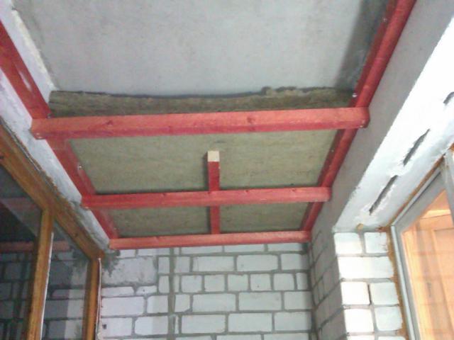 Утепление потолка, крыши балкона или лоджии - фото