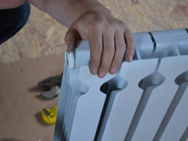 Ремонт радиаторов отопления своими руками, протечка, щелчки, шум