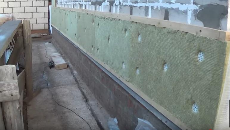 Утепление дома из газобетона снаружи и изнутри - выбор утеплителя и технология выполнения