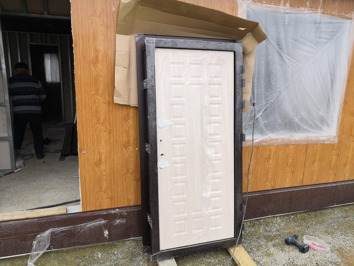 Утепление входной двери для частных домов: как утеплять, материалы и специфика