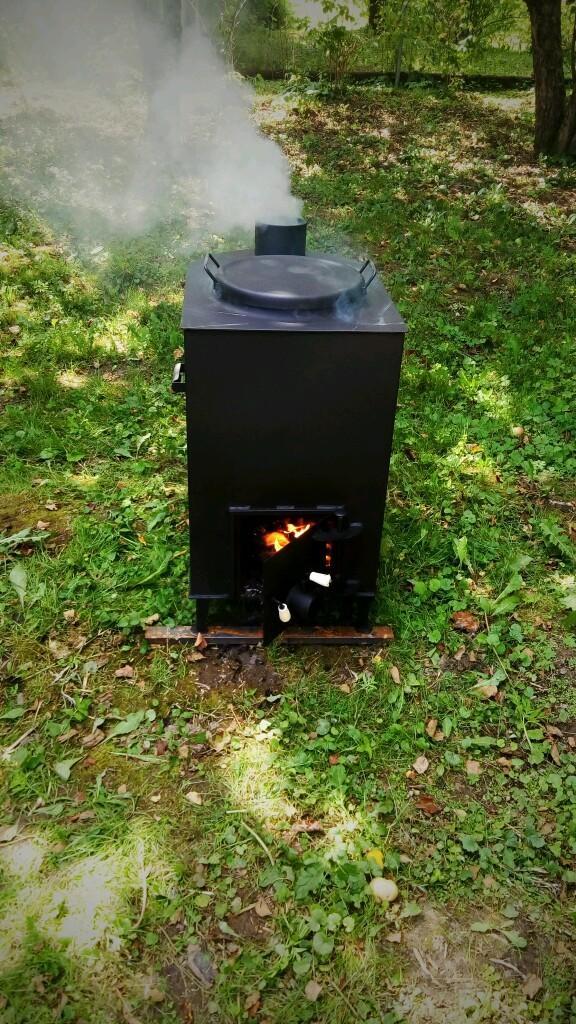 Особенности садовой печи для сжигания отхода и мусора