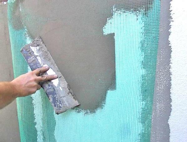Штукатурка по пенопласту для фасадных и внутренних работ: виды и пошаговая технология