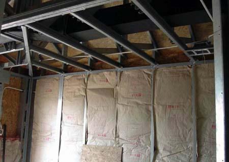 Утепление каркасного дома пенопластом: технология монтажа изнутри своими руками, как отделать стены снаружи, отзывы