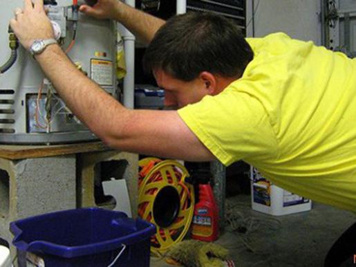 Стук в трубах отопления частного дома, причины треска, почему стучит и щелкает