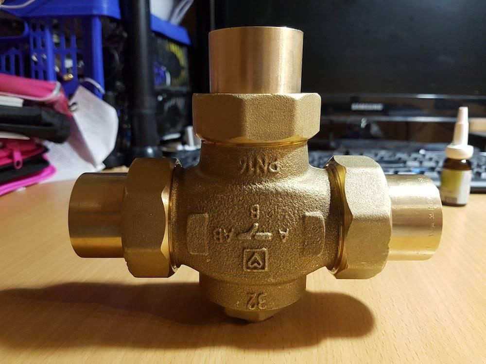Применение трехходового термостатического клапана в различных инженерных системах