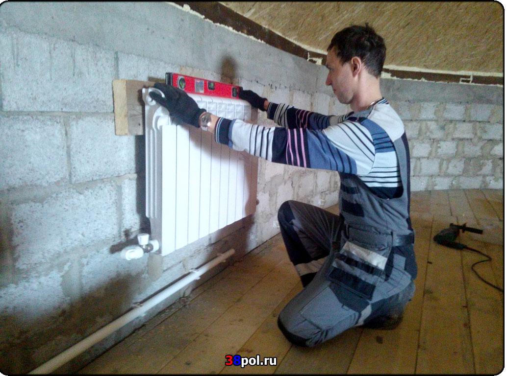 Кронштейн для радиатора из стали, чугуна, биметалла и алюминия: как повесить
