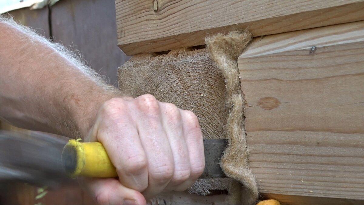 Утепление дома из бруса снаружи и изнутри: как сделать своими руками