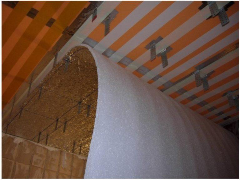 Утепление потолка пенопластом: плюсы и минусы, толщина каркаса, монтаж клеем или дюбелями своими руками