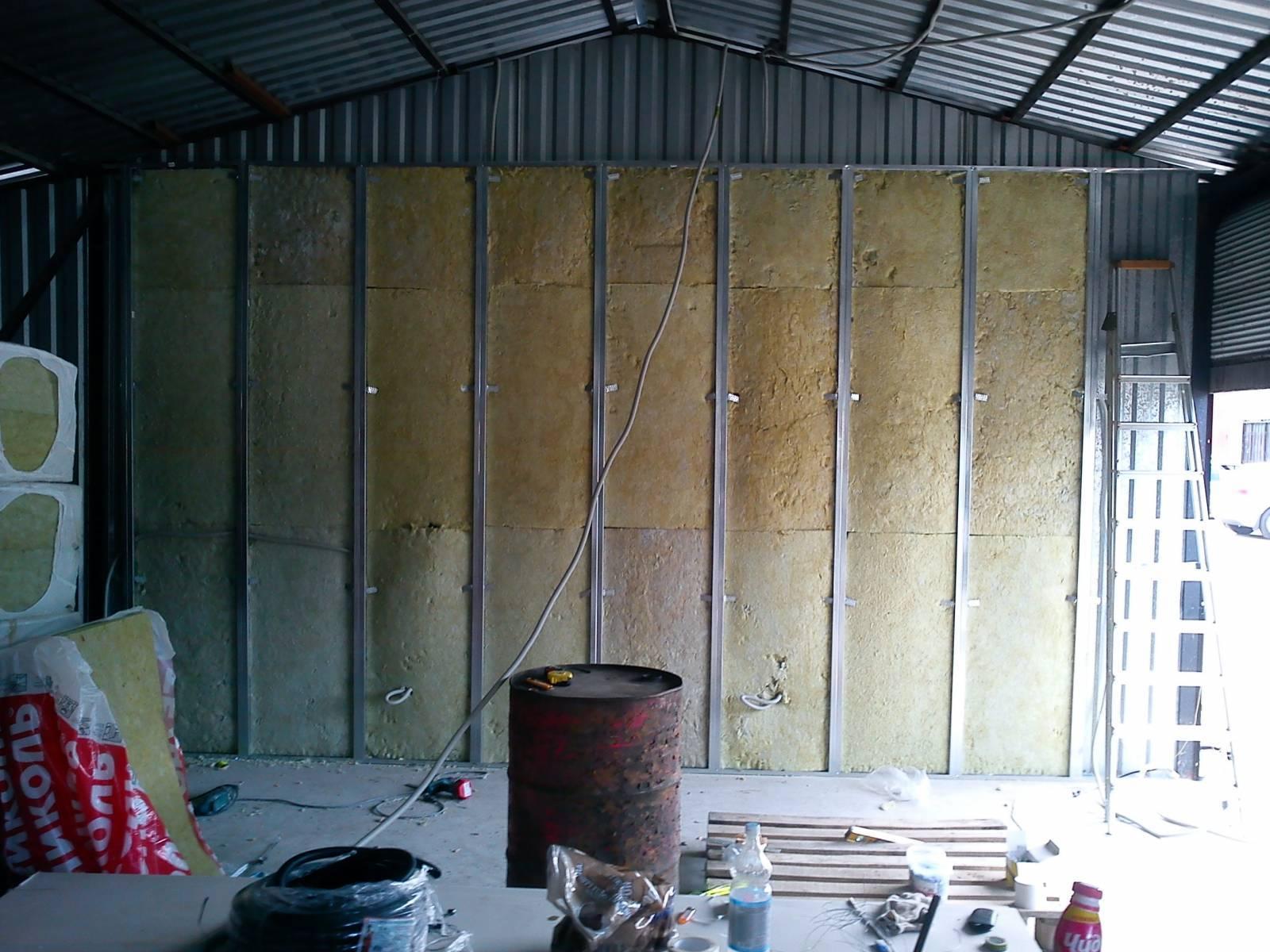 Утепляем недорого гараж изнутри своими руками: как утеплить пенопластом стены
