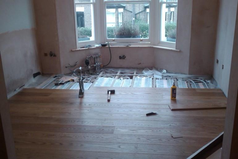 Как утеплить бетонный пол в квартире на первом этаже