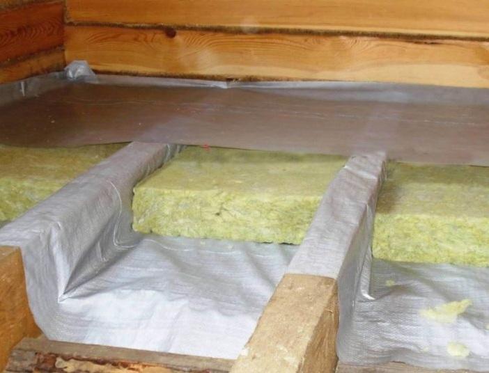 Можно ли утеплять деревянный дом изнутри минватой
