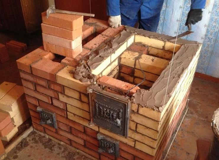 Кирпич для каминов и печей, по каким параметрам выбирать строительный материал