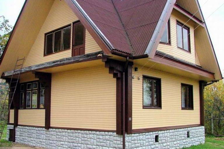 Как и чем дешевле обшить дом из бруса снаружи