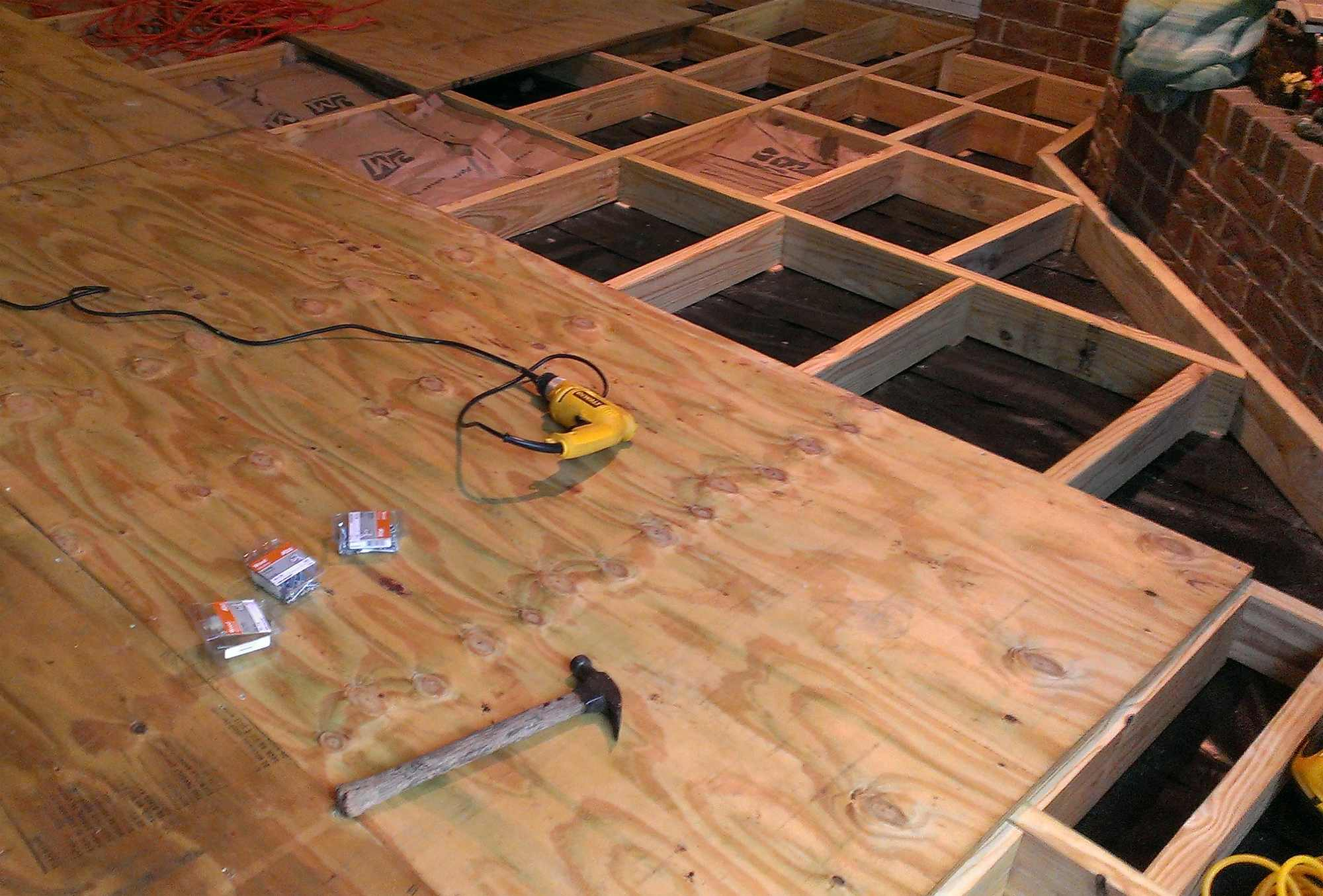 Черновой пол в деревянном доме - лучшая пошаговая инструкция!