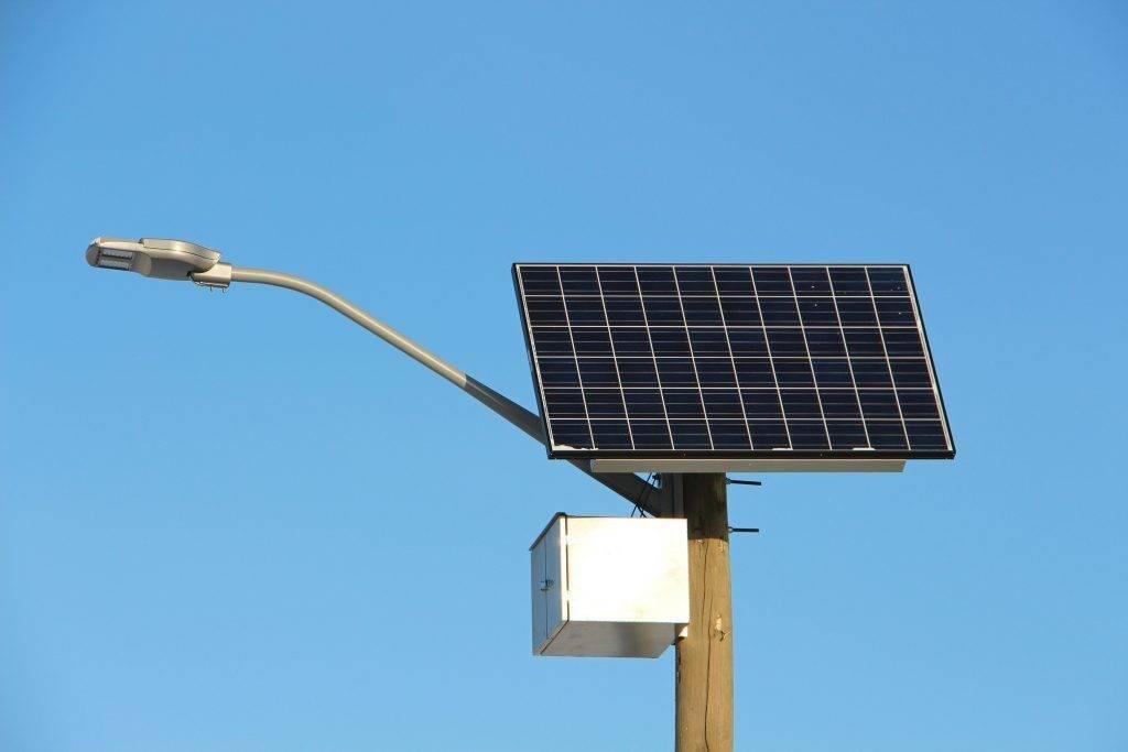 Прожектор на солнечных батареях: плюсы и минусы