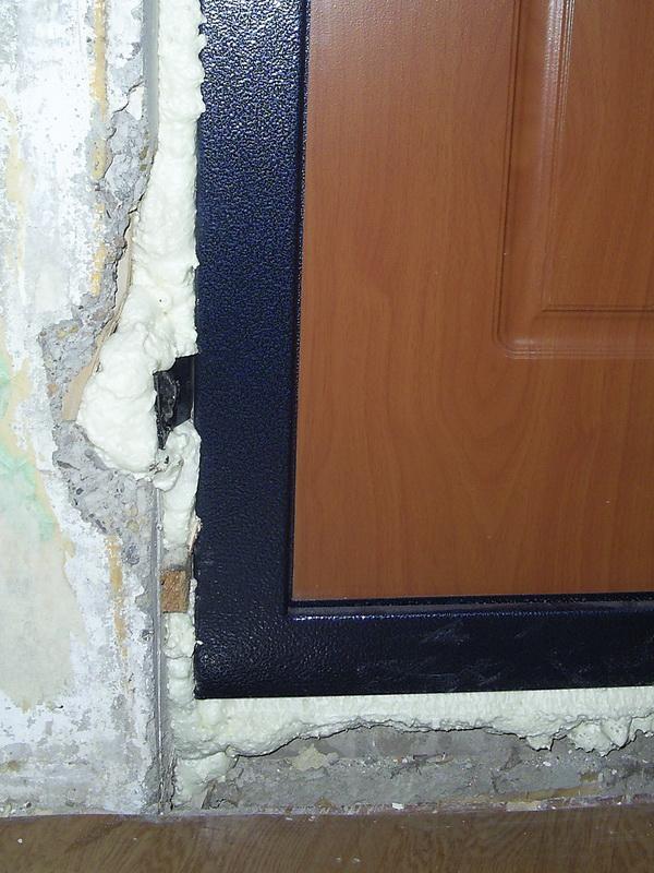 Советы ремонтникам: как заделать входную дверь после установки? материалы для работы