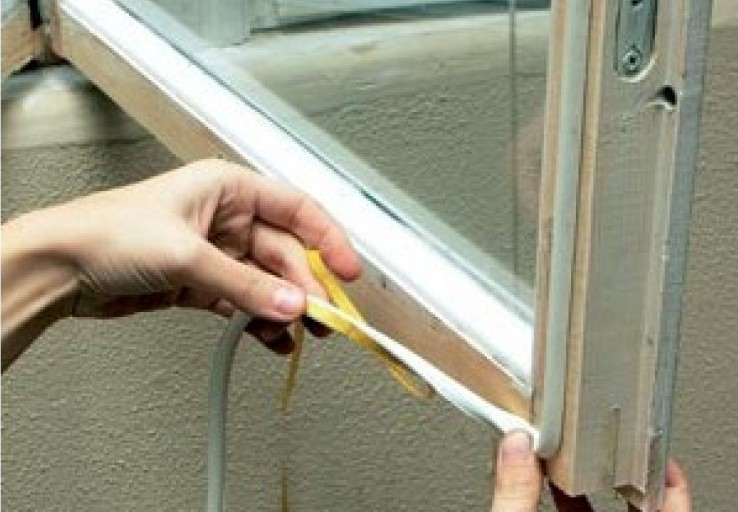 7 способов утеплить окна на зиму (12 фото)