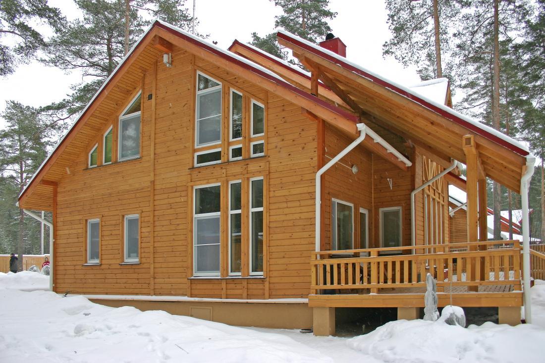Что надо знать о домах из клееного бруса? полезная информация для будущих владельцев на сайте недвио