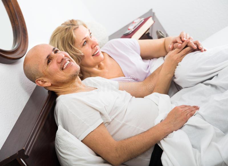Приметы, связанные с супружеской кроватью