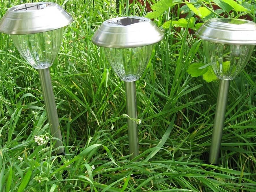 Как сделать садовый светильник на солнечных батареях - жми!