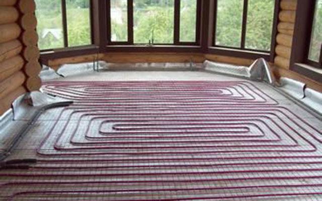 Водяной теплый пол в деревянном доме - особенности монтажа