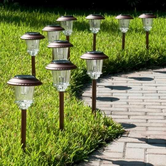 Как выбрать уличный светильник на солнечной батарее для дачи - жми!