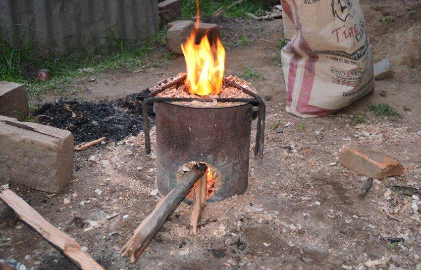 Как сделать печь на опилках своими руками для дачи и дома