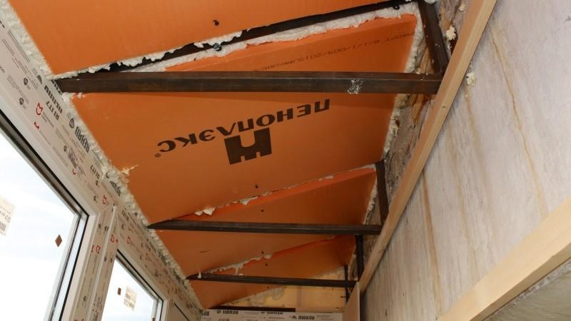 Установка крыши на балконе последнего этажа
