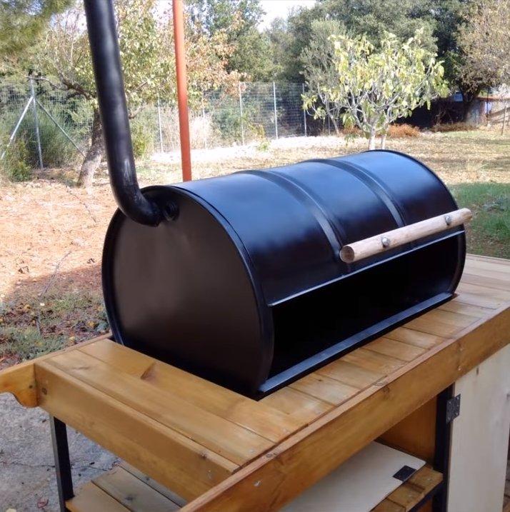Мангал из бочки (29 фото): как сделать барбекю и гриль из бочки объемом 60 и 200 литров своими руками, самодельная шашлычница и ее размеры