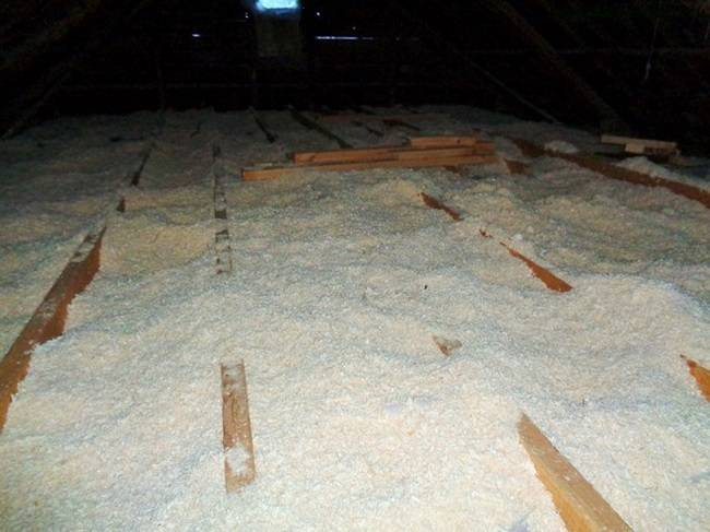Технология утепления каркасного дома опилками