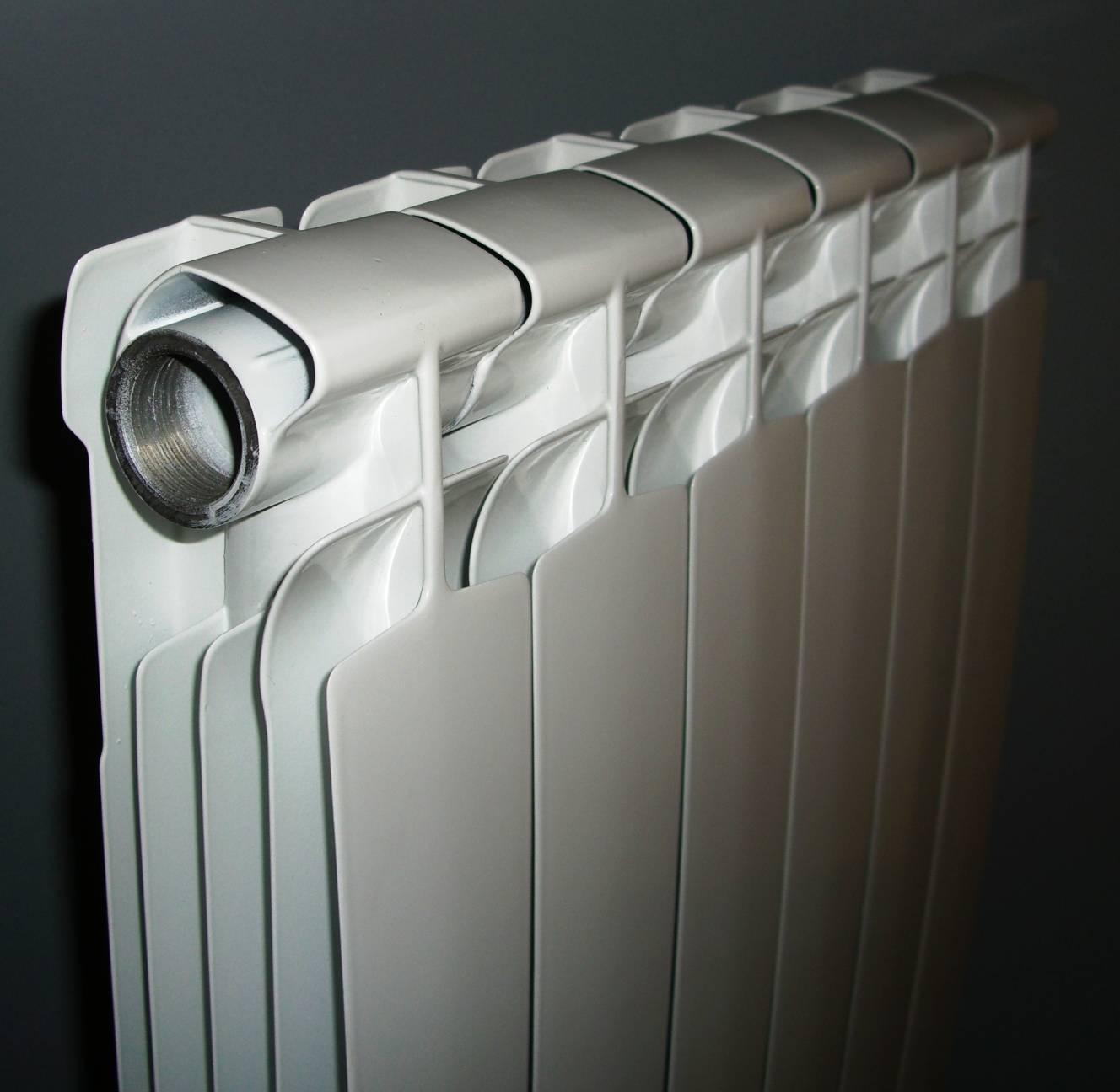 Как выбрать биметаллические радиаторы отопления для квартиры: сравнение 5 брендов